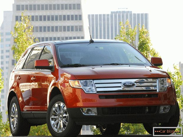 Ford Edge automobil